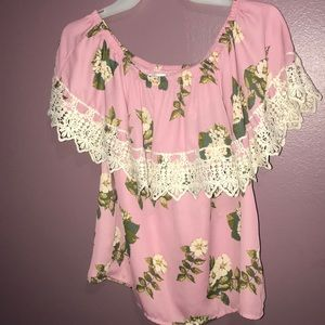 Pink blouse never worn with a free choker! ❤️